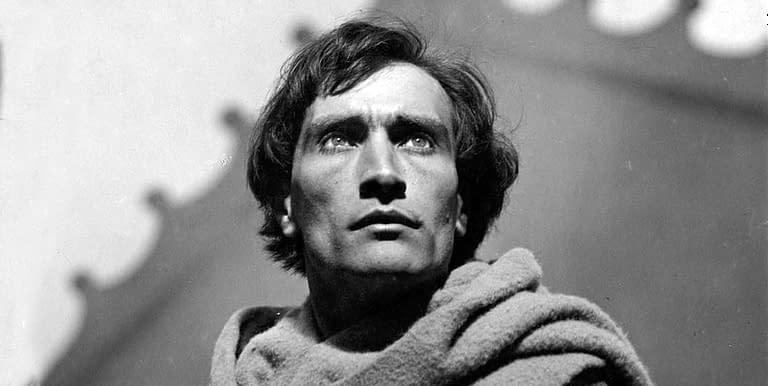 Antonin Artaud –ocitnout se ve stavu nejvyššího otřesu, osvíceného neskutečnem, skusy skutečného světa vkoutku sebe sama